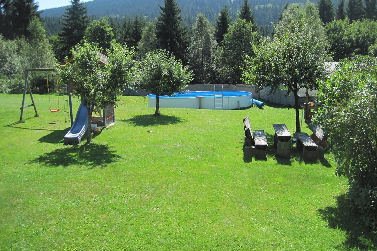 Unser Garten mit Pool